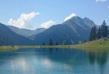 traumhaft idyllischer See in 10 Gehminuten vom Christianhof entfernt