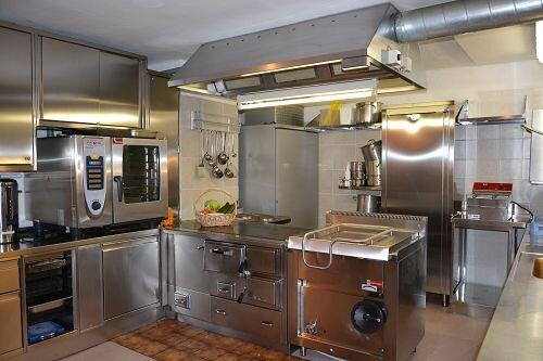 große Profi Gastro Küche für Selbstversorger